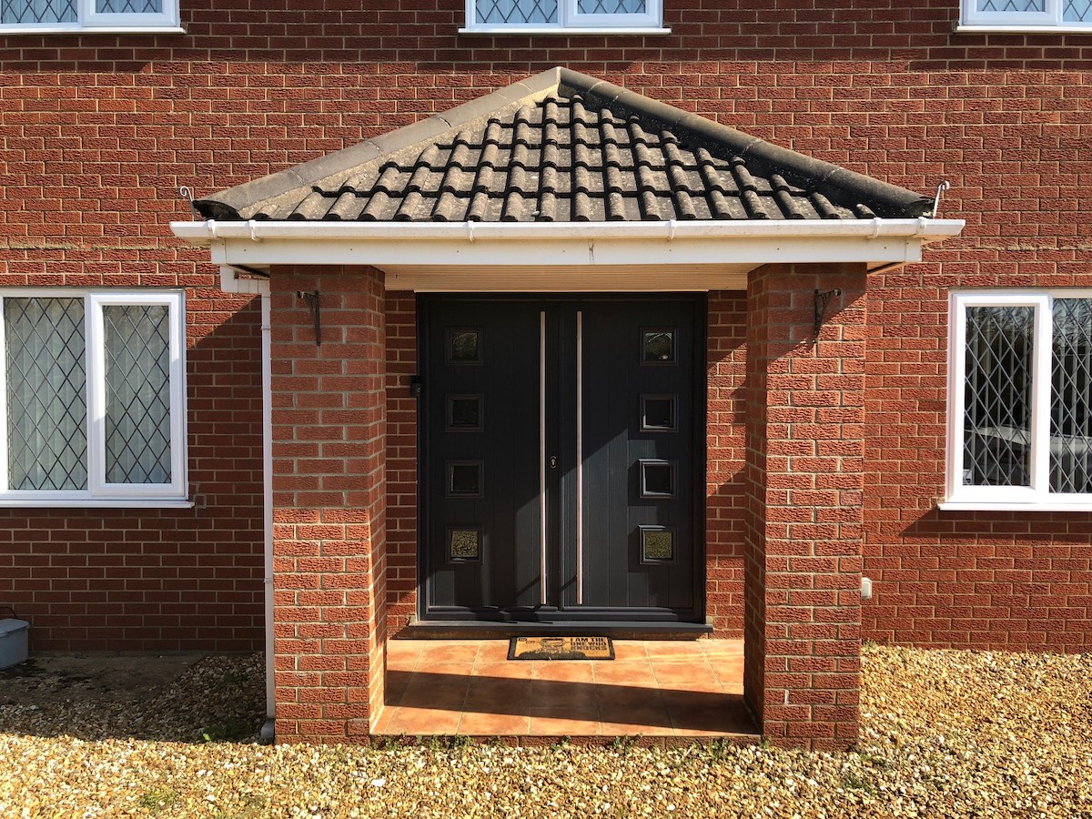 Folding doors in Tortington